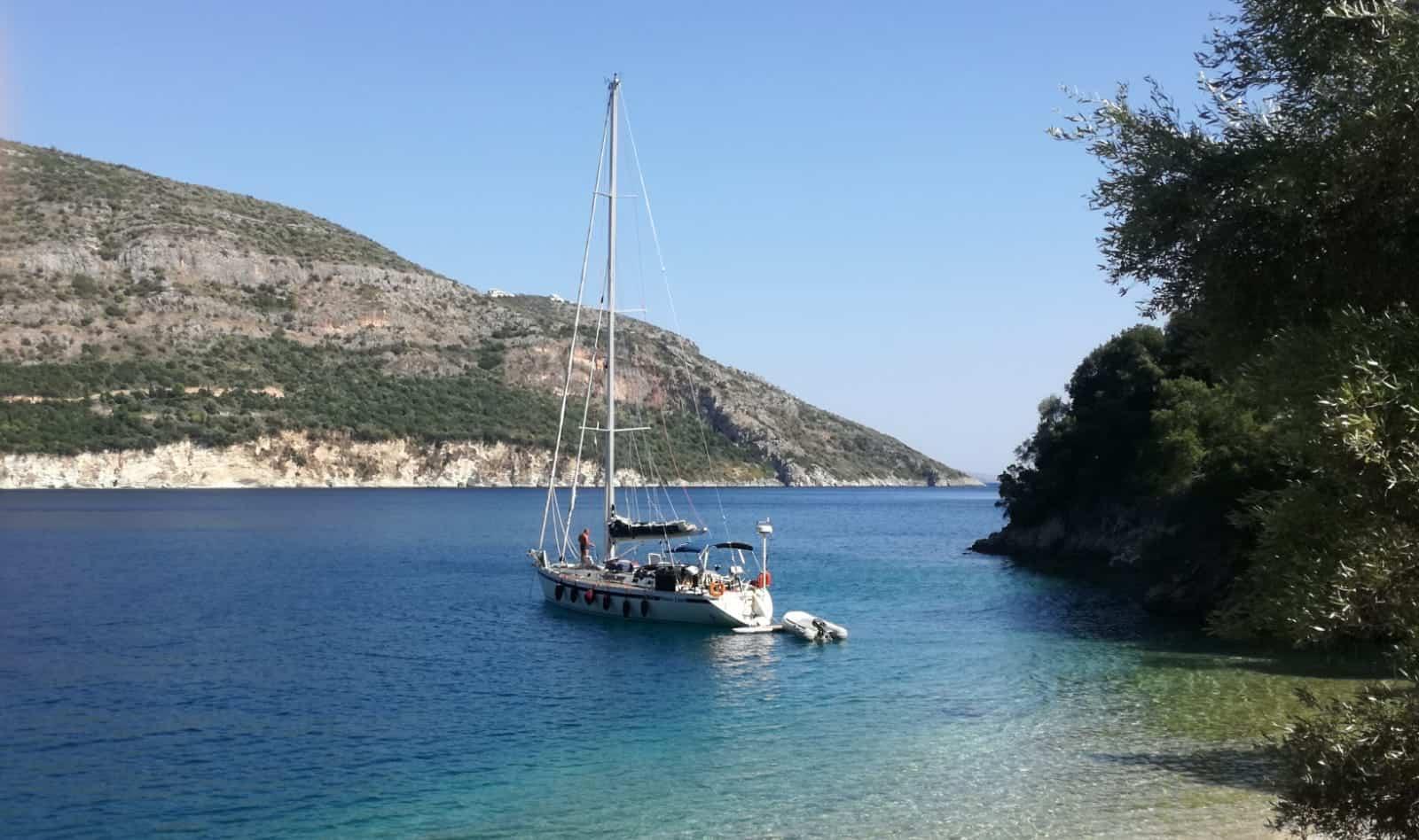 charter grecia lefkada